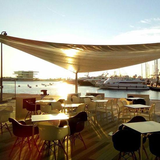 Paseo en barco con cena o comida en valencia v velo - Paseo en globo valencia ...